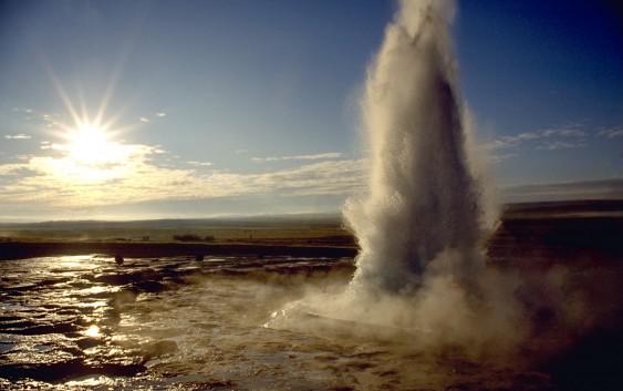END『アイスランドの大自然を満喫する旅』
